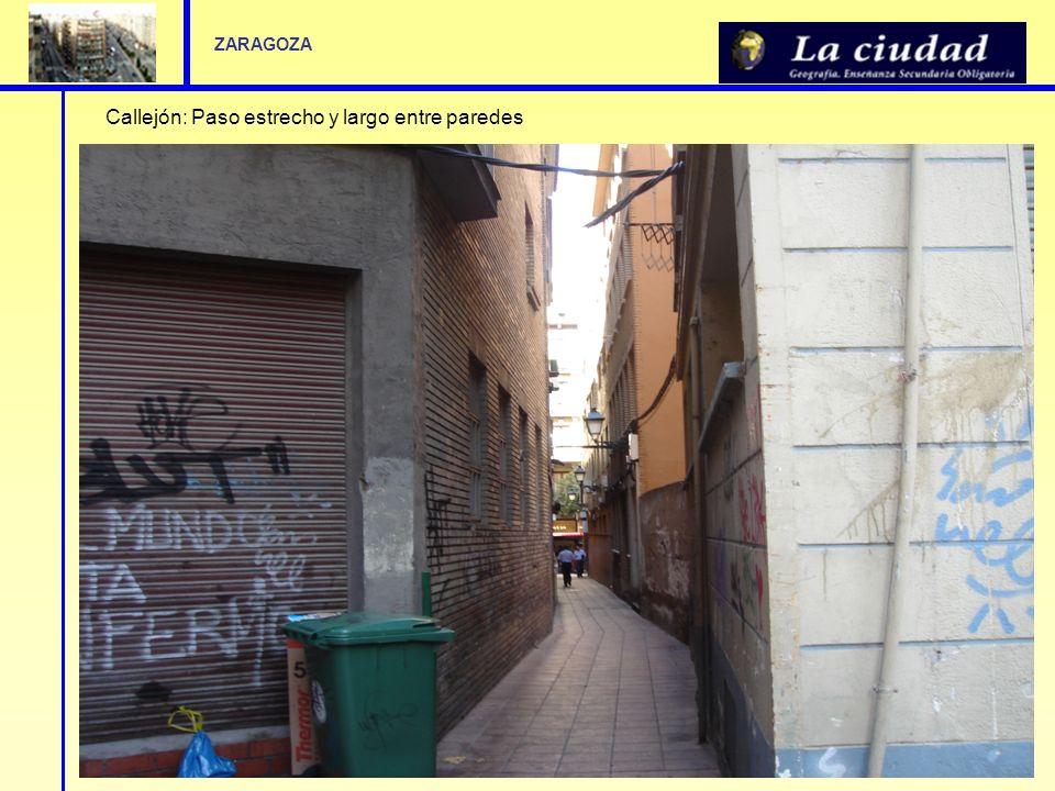 Callejón: Paso estrecho y largo entre paredes