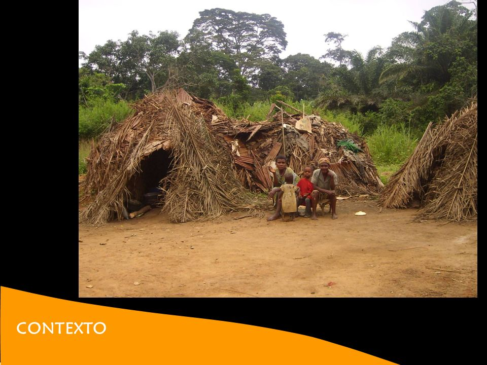 BAKA Una de las últimas tribus primitivas de la selva. Tradicionalmente nómadas. Cazadores, pescadores y recolectores.