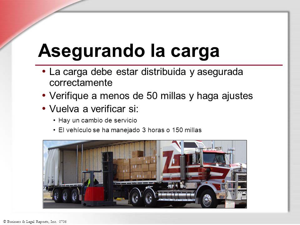 Asegurando la carga La carga debe estar distribuida y asegurada correctamente. Verifique a menos de 50 millas y haga ajustes.