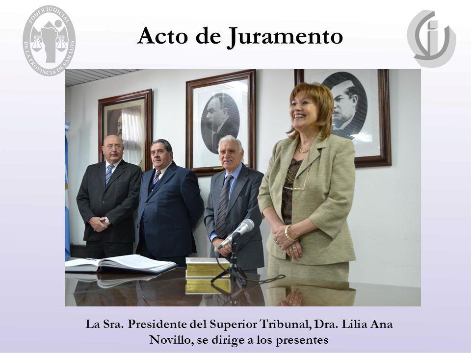 Acto de Juramento La Sra. Presidente del Superior Tribunal, Dra.