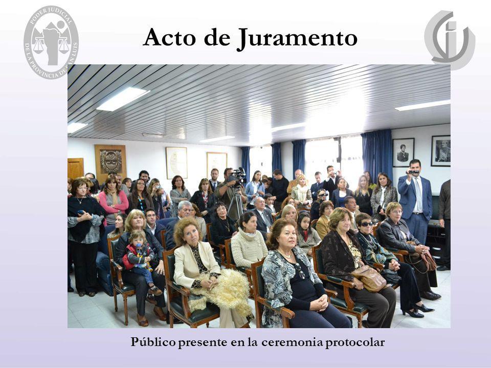 Público presente en la ceremonia protocolar