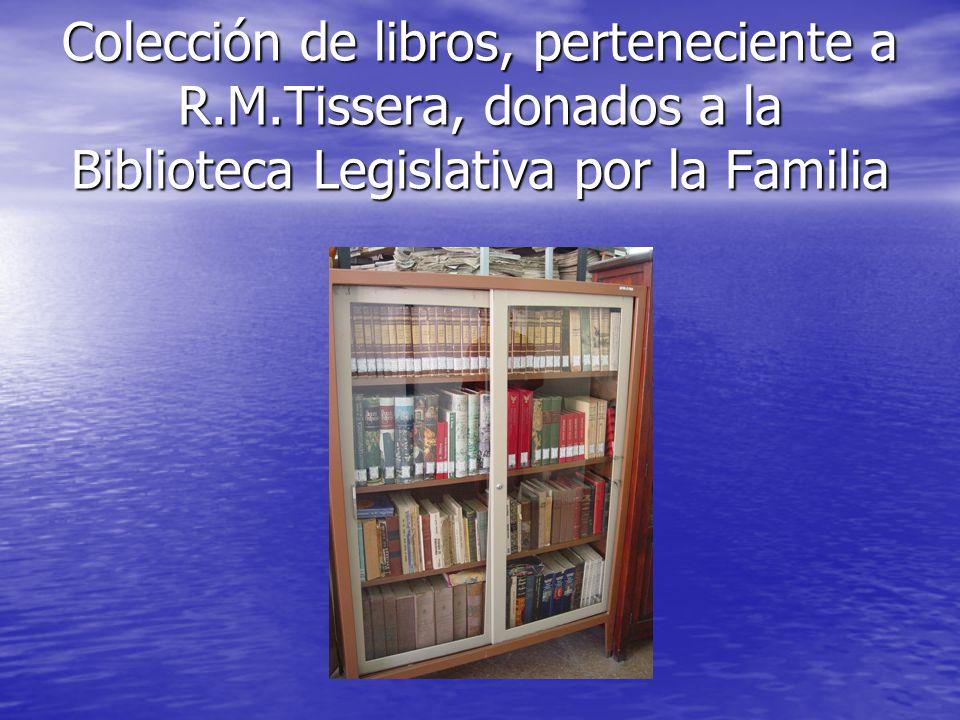Colección de libros, perteneciente a R. M