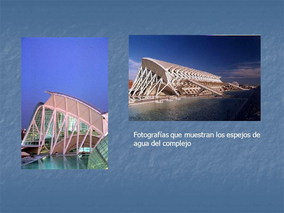 Fotografías que muestran los espejos de agua del complejo