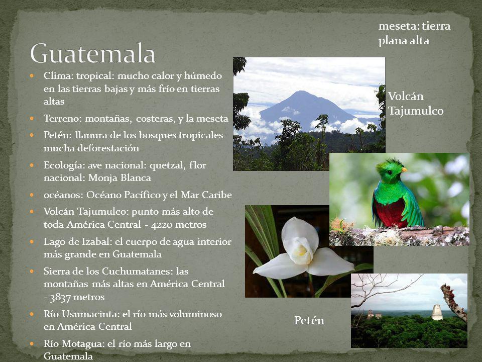 Guatemala meseta: tierra plana alta Volcán Tajumulco Petén