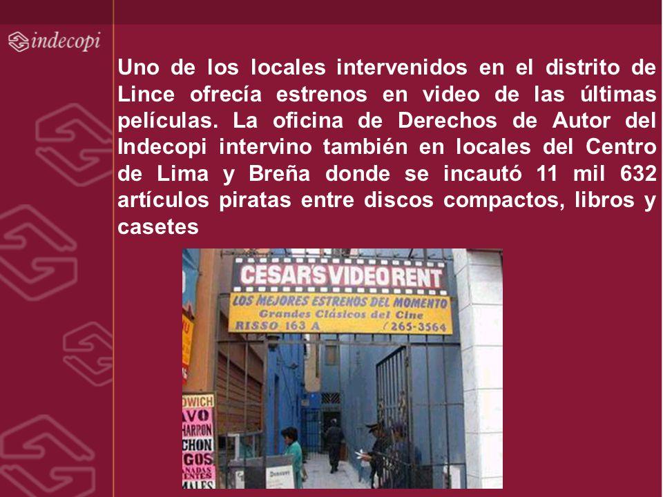 Uno de los locales intervenidos en el distrito de Lince ofrecía estrenos en video de las últimas películas.
