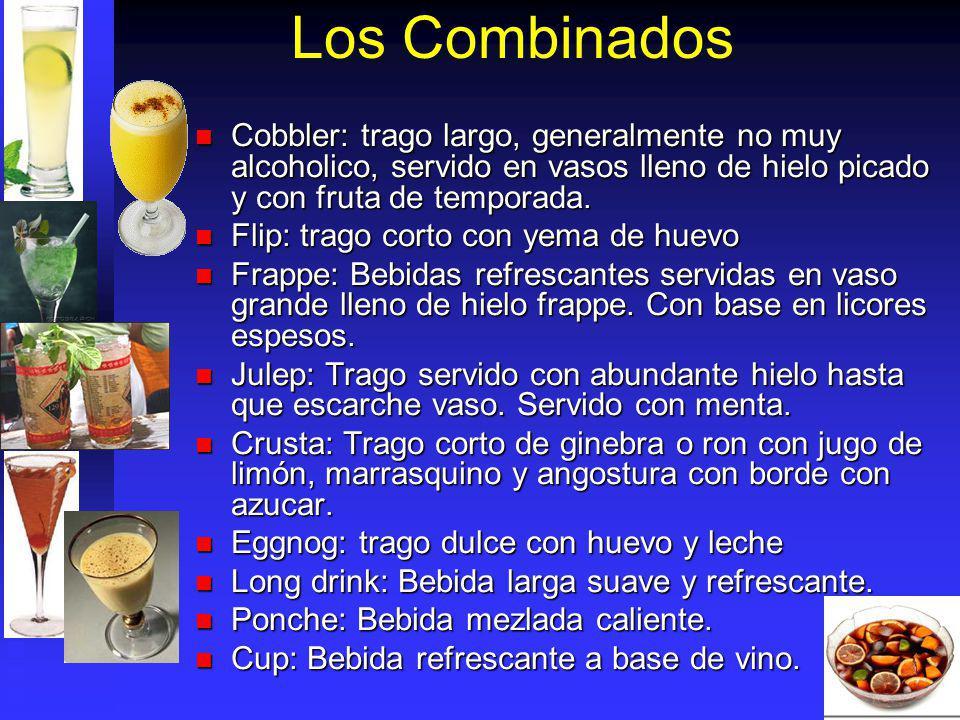 Los Combinados Cobbler: trago largo, generalmente no muy alcoholico, servido en vasos lleno de hielo picado y con fruta de temporada.