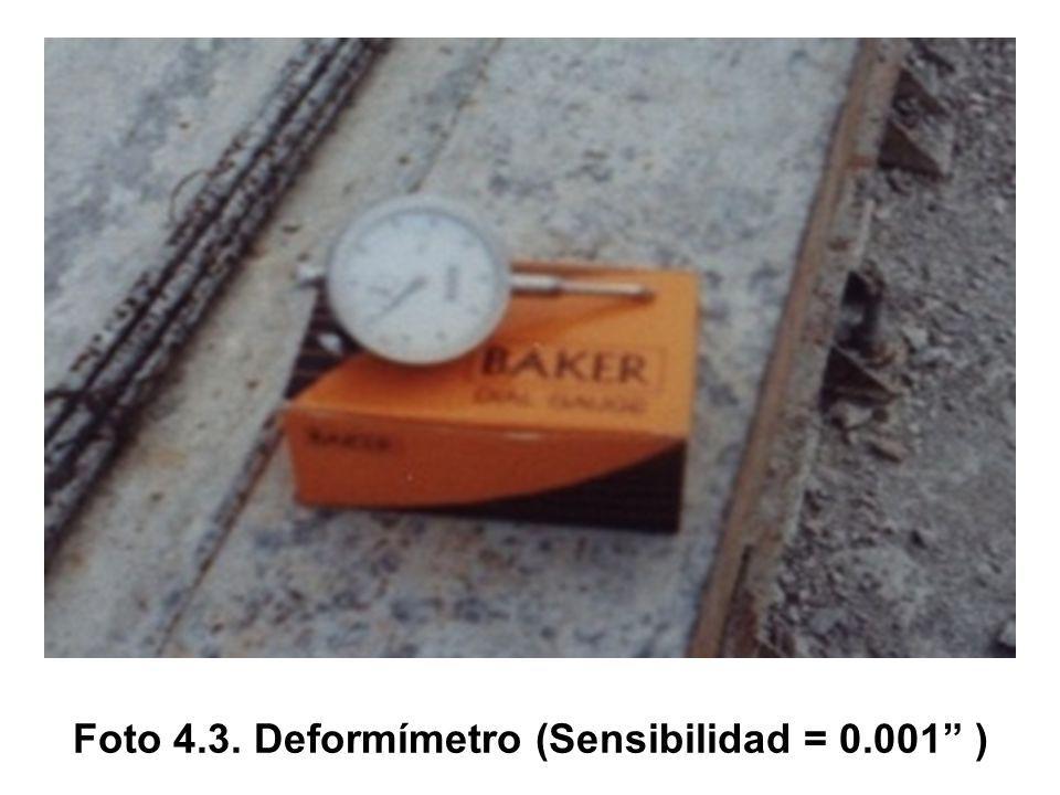 Foto 4.3. Deformímetro (Sensibilidad = 0.001 )