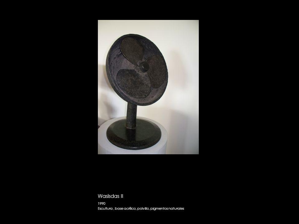 Wasisdas II 1990 Escultura , base acrílico, polvillo, pigmentos naturales