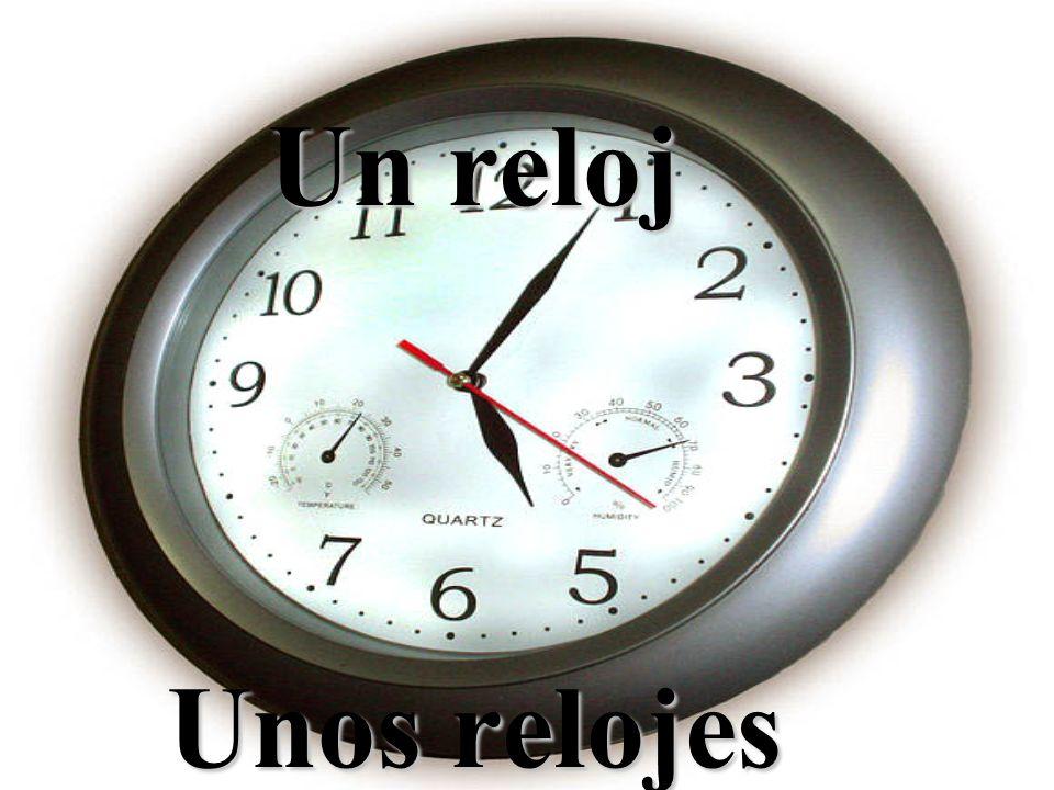 Un reloj Unos relojes