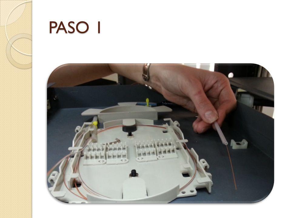 PASO 1 Introducir el tubo termofundente en uno de los 2 hilos para la proteccion del empalme. 2. PREPARACIÓN DE LA FIBRA.