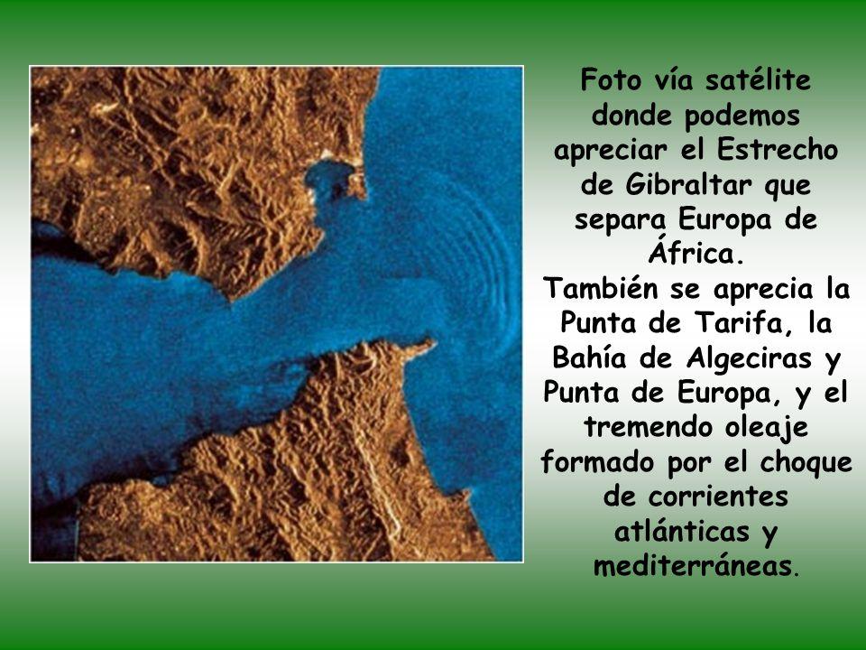Foto vía satélite donde podemos apreciar el Estrecho de Gibraltar que separa Europa de África.