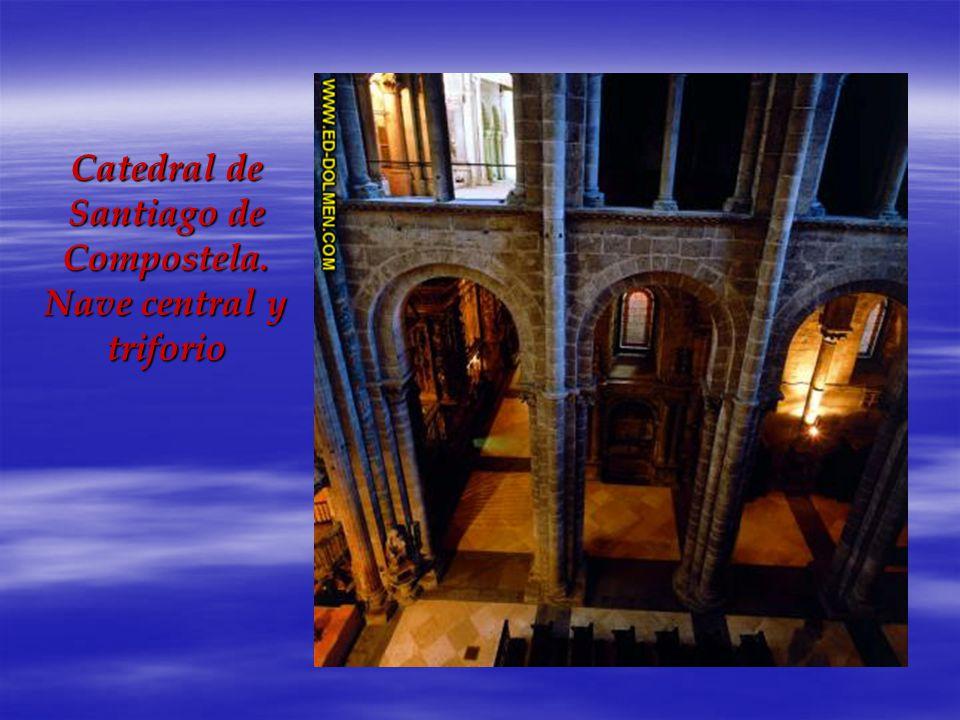 Catedral de Santiago de Compostela. Nave central y triforio