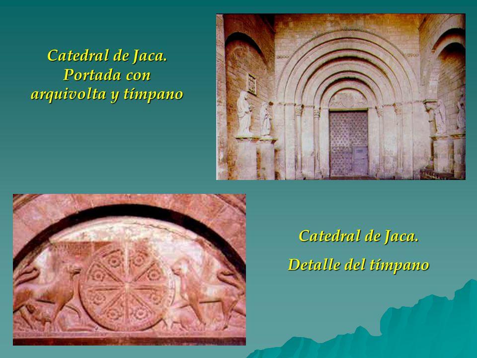 Catedral de Jaca. Portada con arquivolta y tímpano