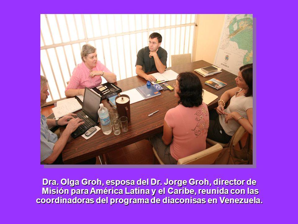 Dra. Olga Groh, esposa del Dr. Jorge Groh, director de