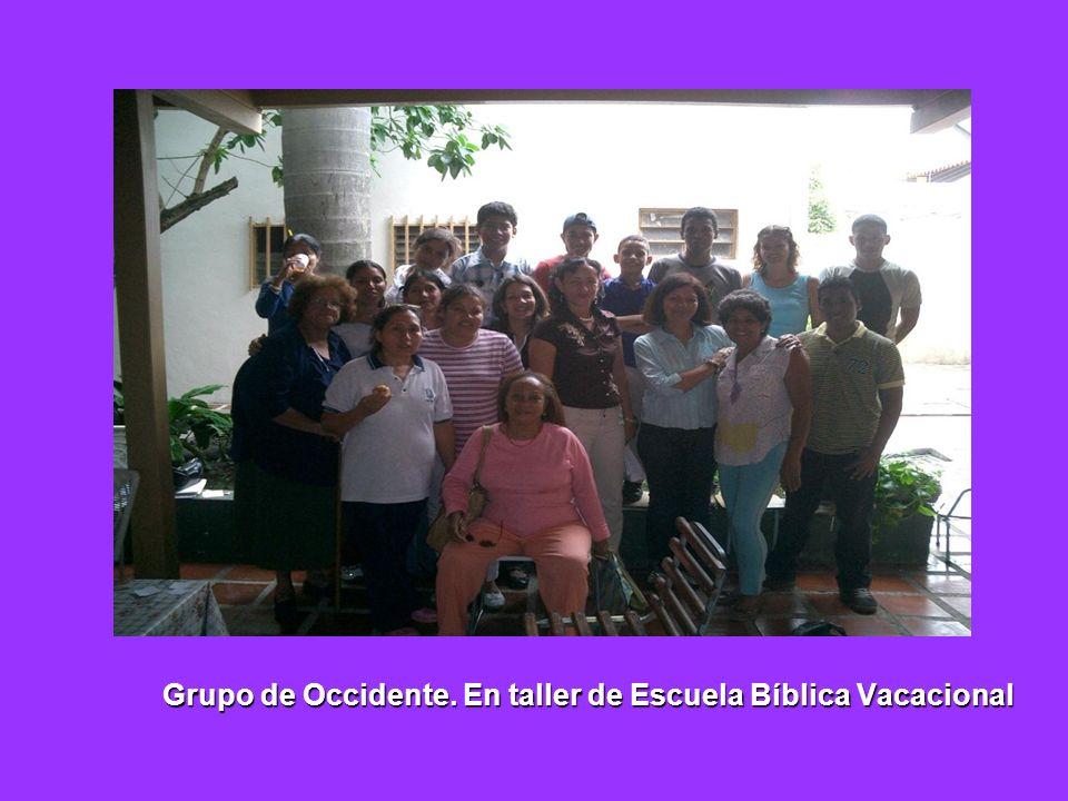 Grupo de Occidente. En taller de Escuela Bíblica Vacacional