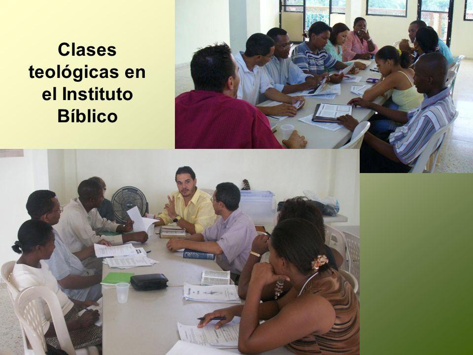 Clases teológicas en el Instituto Bíblico