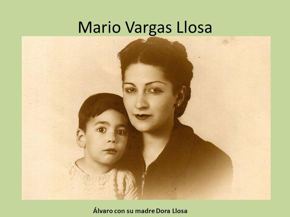 Álvaro con su madre Dora Llosa