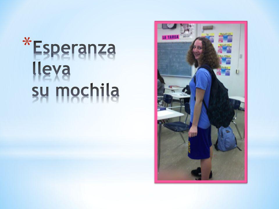 Esperanza lleva su mochila