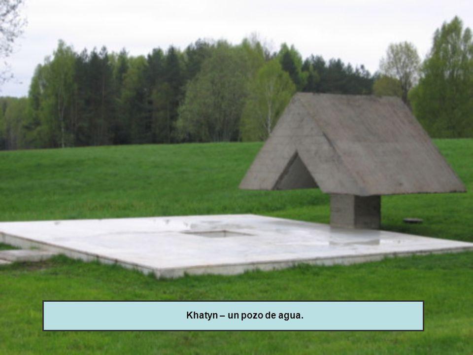 Khatyn – un pozo de agua.