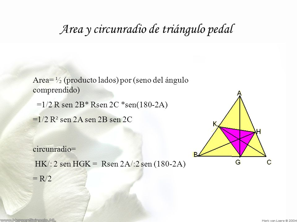 Area y circunradio de triángulo pedal