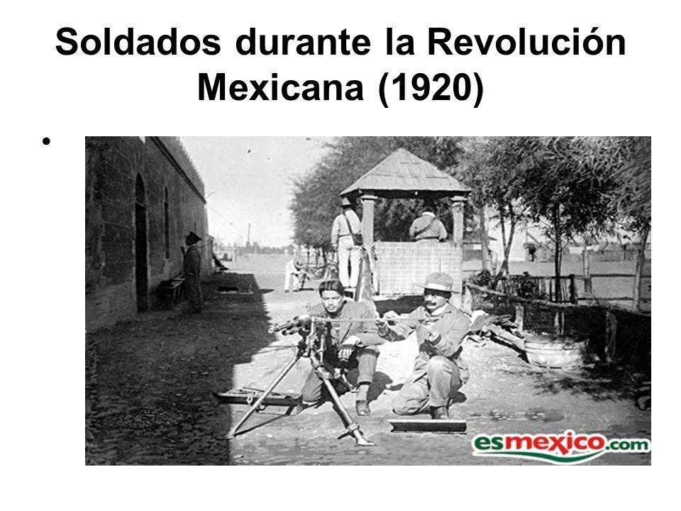 Soldados durante la Revolución Mexicana (1920)