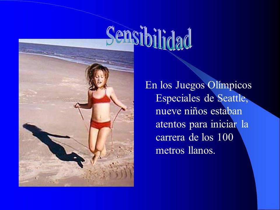 Sensibilidad En los Juegos Olímpicos Especiales de Seattle, nueve niños estaban atentos para iniciar la carrera de los 100 metros llanos.