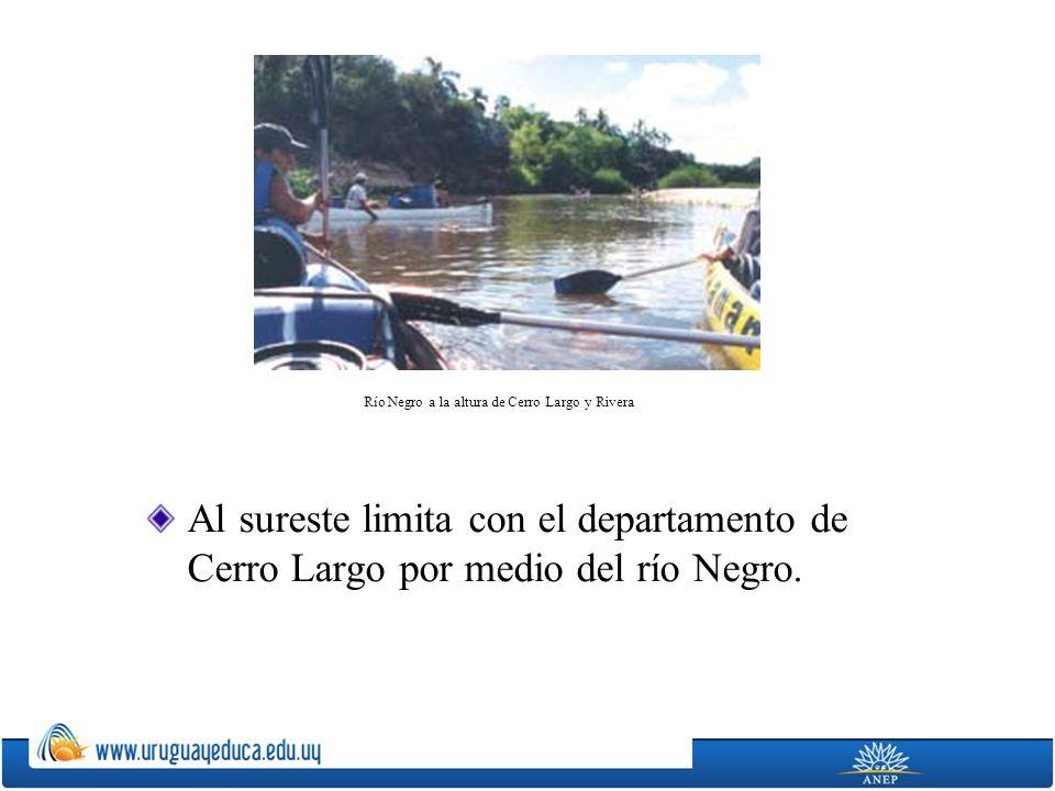Río Negro a la altura de Cerro Largo y Rivera
