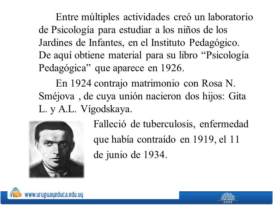Entre múltiples actividades creó un laboratorio de Psicología para estudiar a los niños de los Jardines de Infantes, en el Instituto Pedagógico.