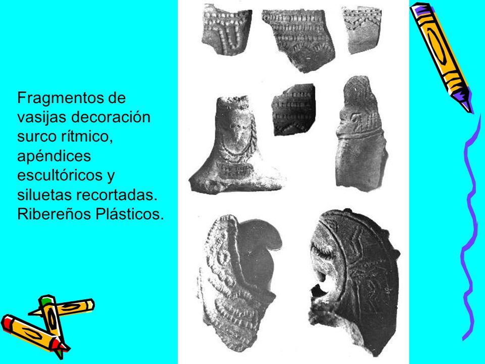 Fragmentos de vasijas decoración surco rítmico, apéndices escultóricos y siluetas recortadas.