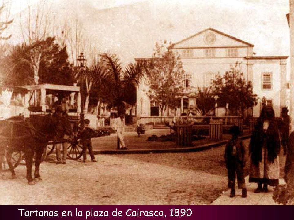 Tartanas en la plaza de Cairasco, 1890