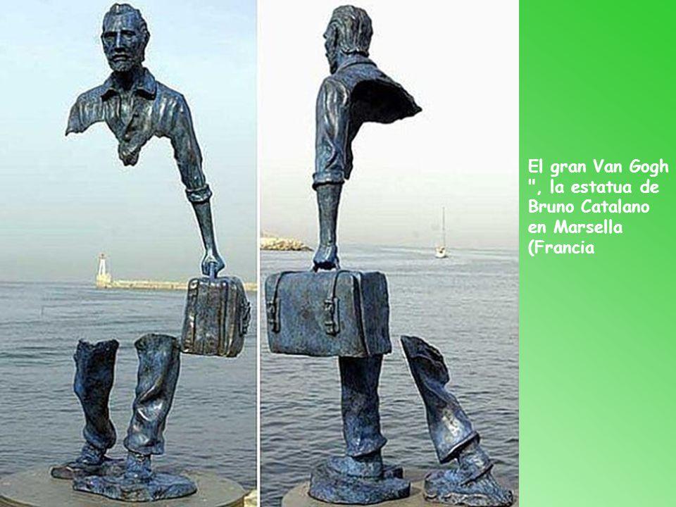 El gran Van Gogh , la estatua de Bruno Catalano en Marsella (Francia