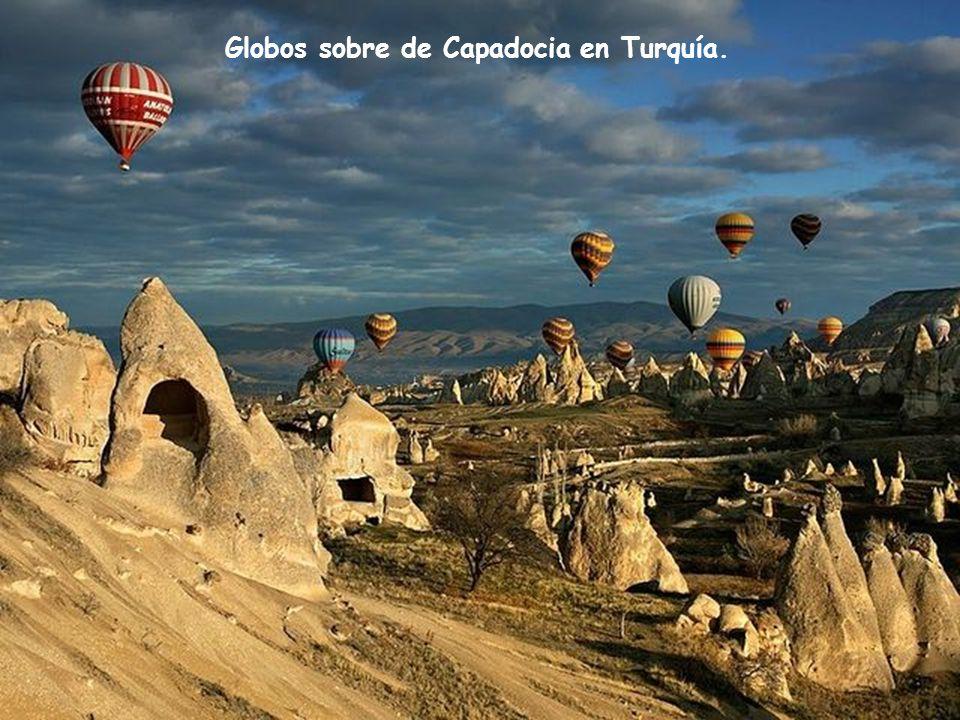 Globos sobre de Capadocia en Turquía.