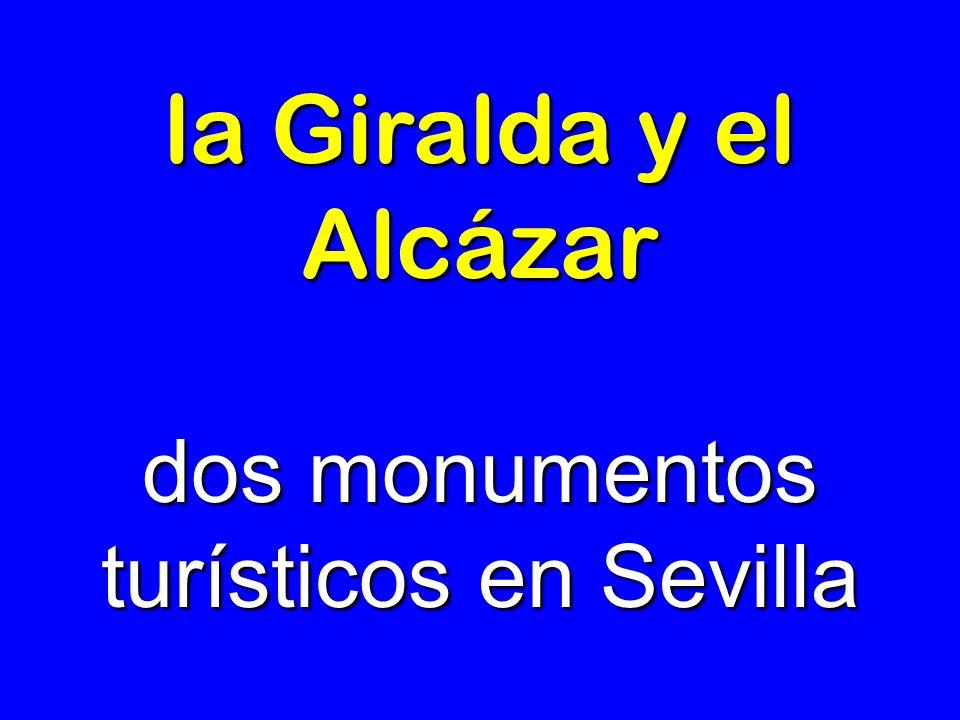 dos monumentos turísticos en Sevilla