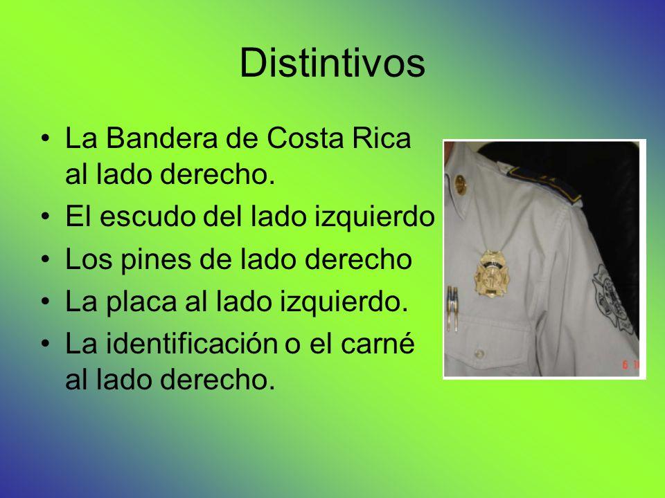 Distintivos La Bandera de Costa Rica al lado derecho.