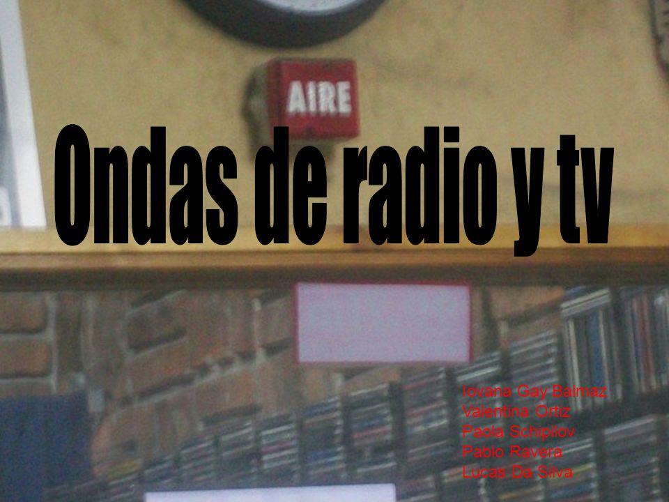 Ondas de radio y tv Iovana Gay Balmaz Valentina Ortiz Paola Schipilov Pablo Ravera Lucas Da Silva