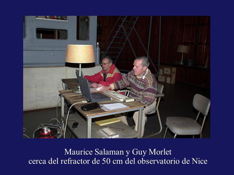 Maurice Salaman y Guy Morlet cerca del refractor de 50 cm del observatorio de Nice