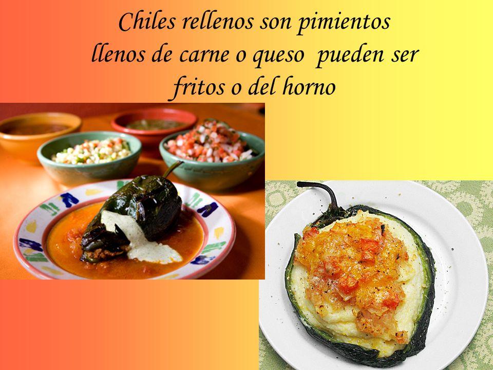 Chiles rellenos son pimientos llenos de carne o queso pueden ser fritos o del horno