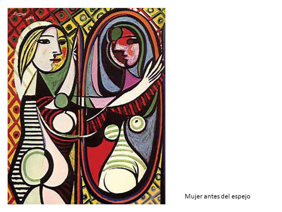 Mujer antes del espejo