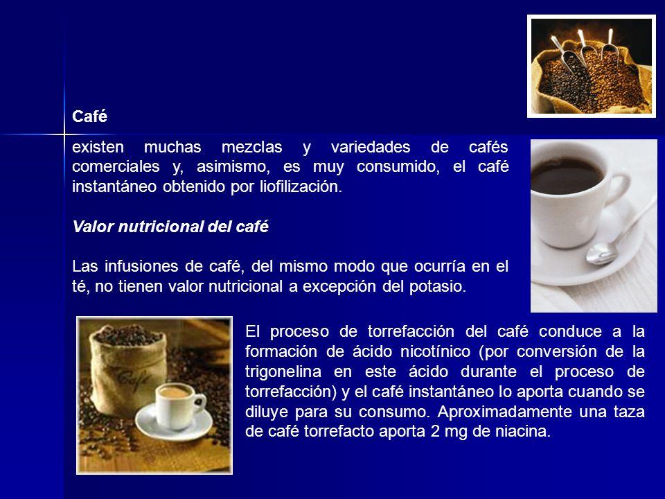 Café existen muchas mezclas y variedades de cafés comerciales y, asimismo, es muy consumido, el café instantáneo obtenido por liofilización.