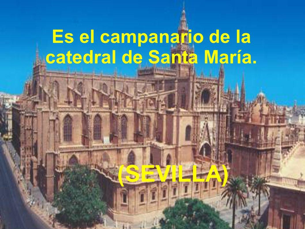 Es el campanario de la catedral de Santa María.