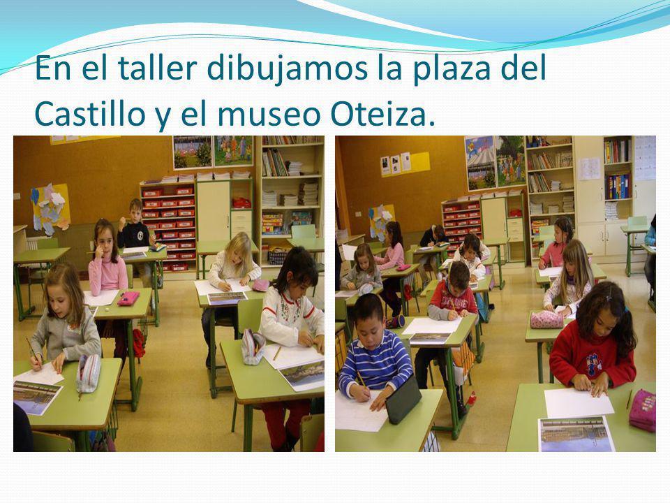 En el taller dibujamos la plaza del Castillo y el museo Oteiza.
