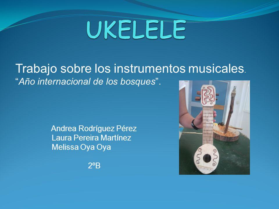 UKELELE Trabajo sobre los instrumentos musicales.