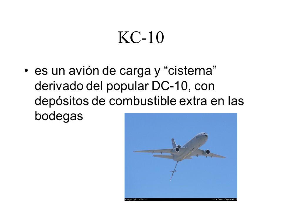 KC-10 es un avión de carga y cisterna derivado del popular DC-10, con depósitos de combustible extra en las bodegas.