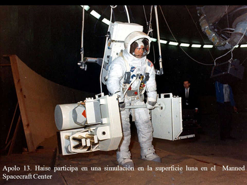 Apolo 13. Haise participa en una simulación en la superficie luna en el Manned Spacecraft Center