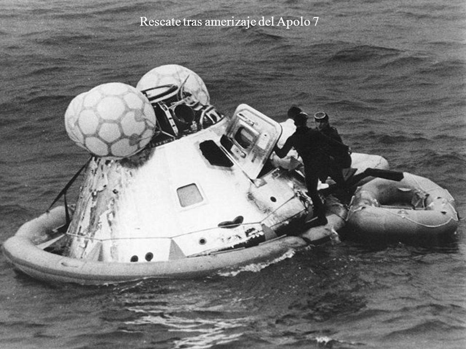 Rescate tras amerizaje del Apolo 7