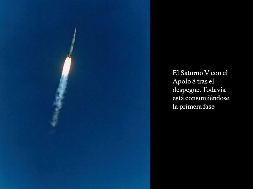 El Saturno V con el Apolo 8 tras el despegue