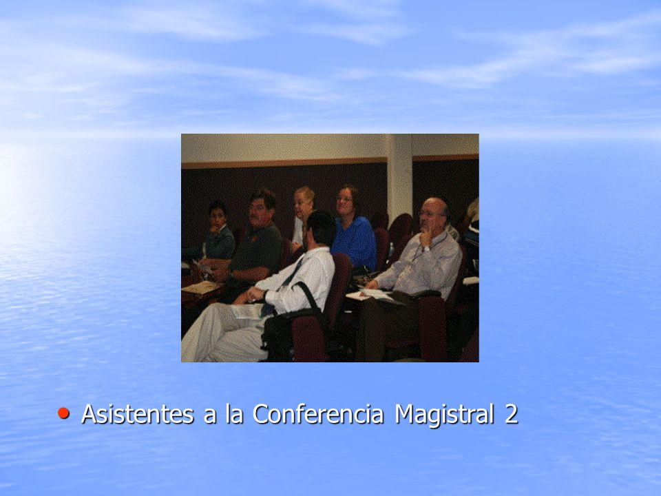Asistentes a la Conferencia Magistral 2