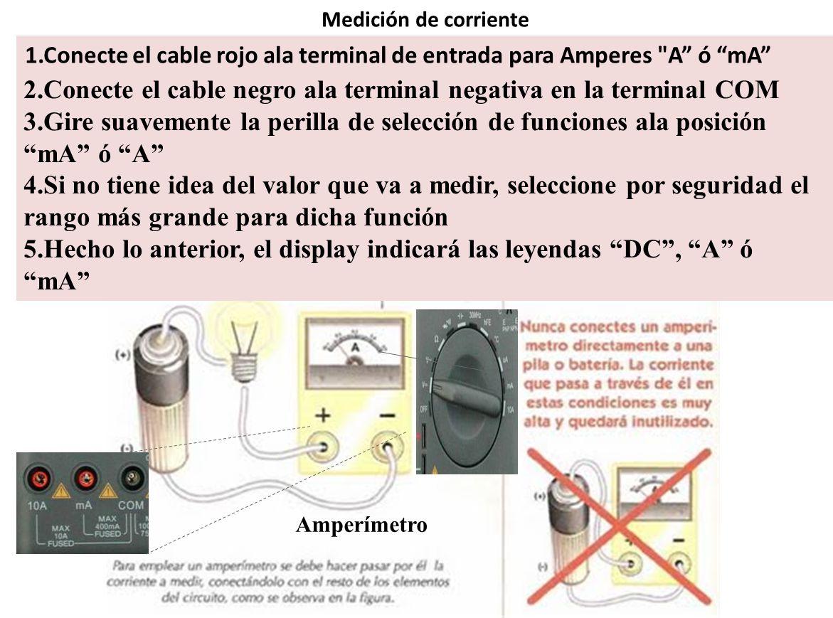 2.Conecte el cable negro ala terminal negativa en la terminal COM