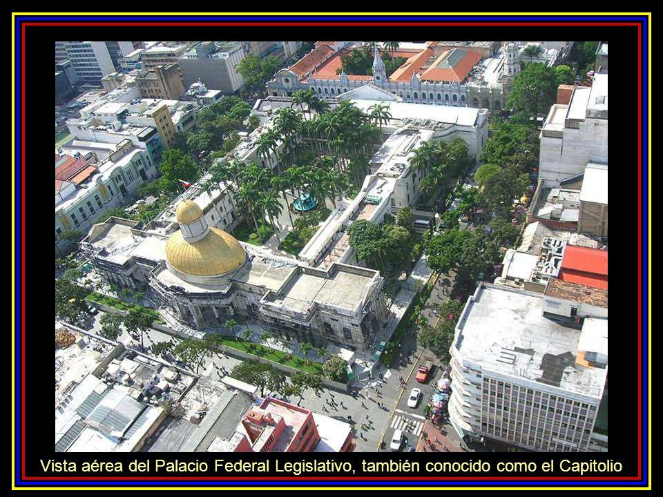 Vista aérea del Palacio Federal Legislativo, también conocido como el Capitolio