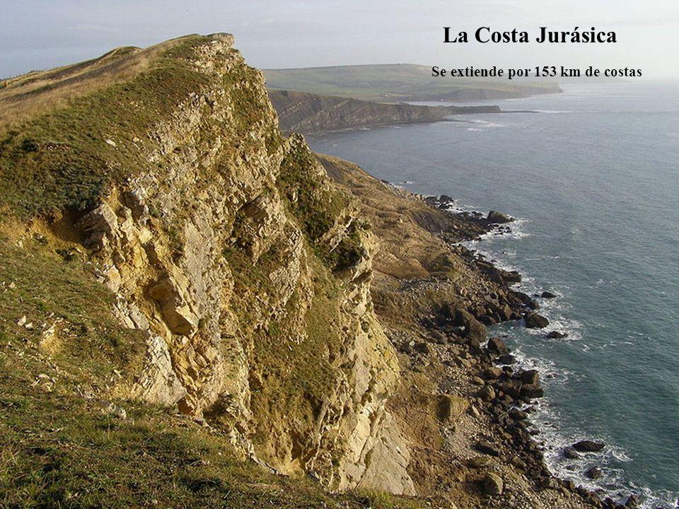 La Costa Jurásica Se extiende por 153 km de costas